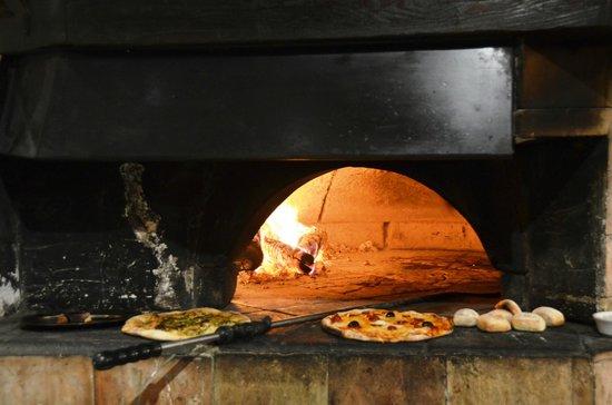 La Saga Pizzeria Grill