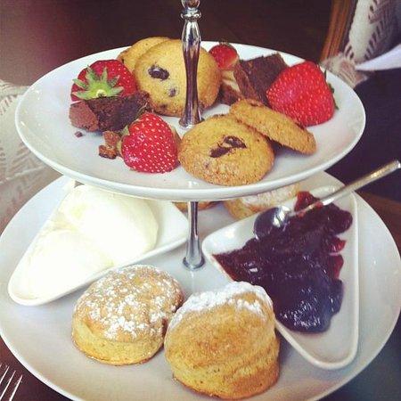 St Elizabeth's House : Afternoon tea