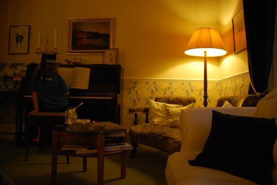 Glenburnie House: Cosy lounge