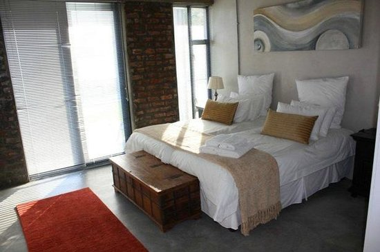 Sunset Loft: Bedroom