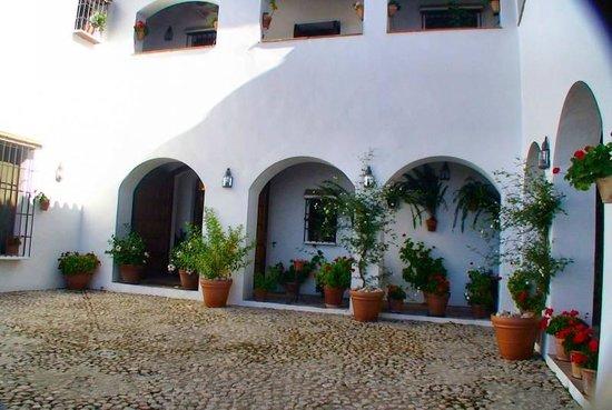Hotel La Fuente del Sol: pation intérieur