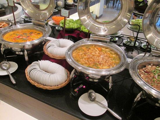 White elephant restaurant terrace chiang mai omd men for Terrace 33 menu