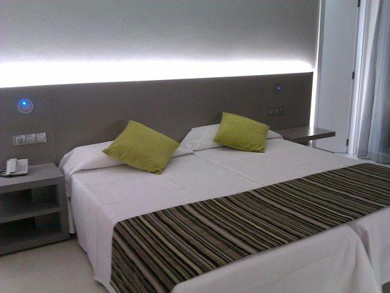 Ola Club Bermudas : the room