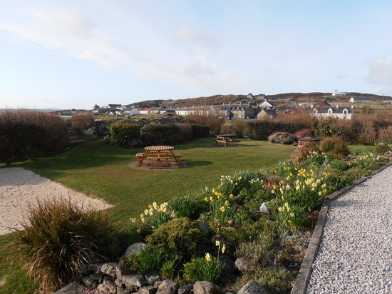 Isle of Coll Hotel: The garden