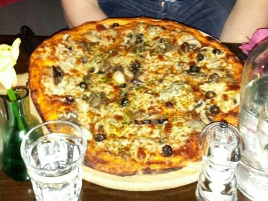 Origano: Delicious pizza!