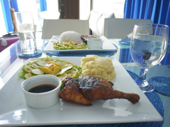 Tanawin Resort and Luxury Apartments: delicious