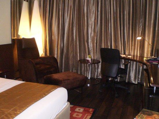 Vivanta by Taj Begumpet: Relaxing comfort inside the room