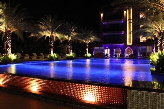 Marrakesh Hua Hin Resort & Spa: There opened 24 hrs.