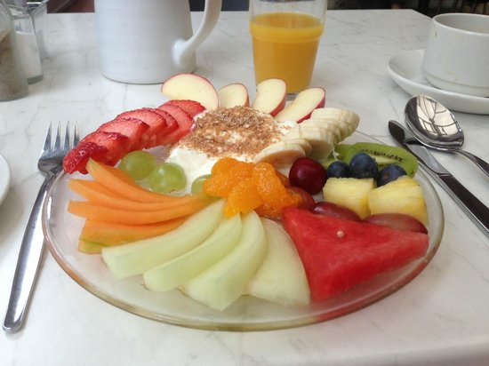 Glasgow Guest House: Breakfast fruit platter