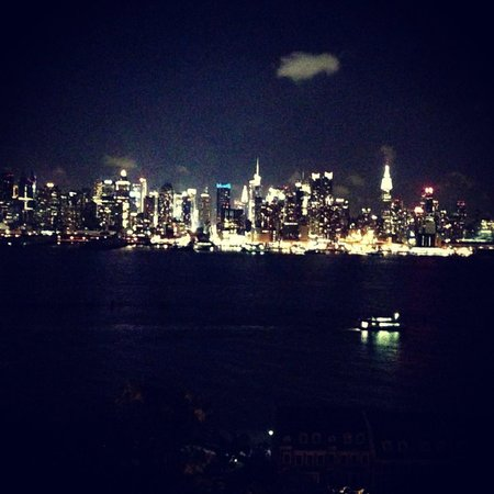 Homewood Suites by Hilton Edgewater - NYC Area: NEW YORK AT  NIGHT  FROM NJ