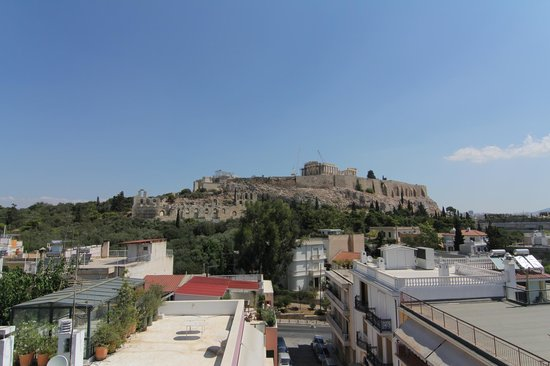 Acropolis View Hotel: The magnificent view from the roof top.