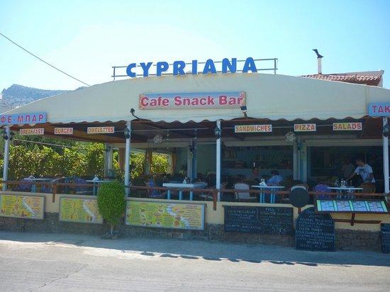 Cypriana Taverna & Meze House: taverna sulla spiaggia