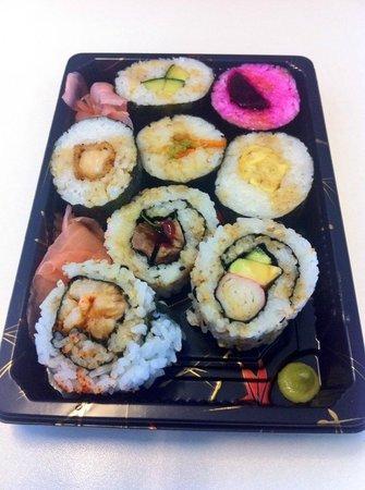 Sushi Salad Noodle Bar: An 8 box selection inc 4 veg 4 meat £4