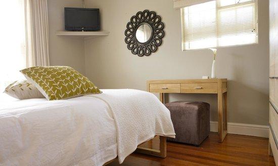 Kidger House Guest House: Trent Suite