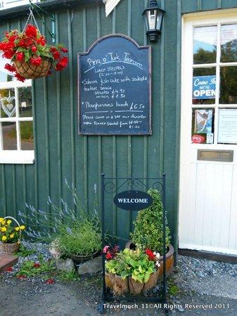 Brig o' Turk Tearoom and Restaurant: Brig O'Turk Tea Room / Restaurant a warm welcome