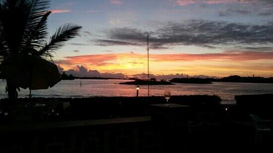 Greenbank Guest House and Cottages: ... magic sunset at Greenbank