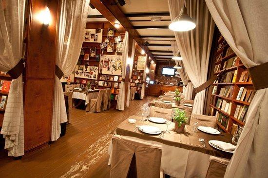 Leningrad Restaurant-Club-Karaoke
