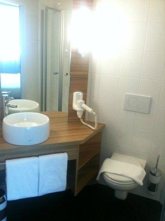 Star Inn Hotel Wien Schonbrunn, by Comfort: Bad