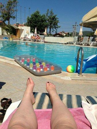 Ant Apart Otel: Pool