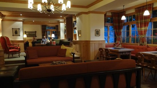 Hotel Alpenrose Wengen: public living room areas