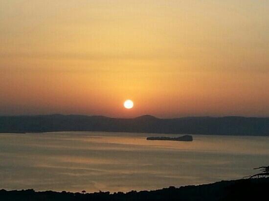 Ristorante Albergo Dante: tramonto sul bolsena dalla terrazza