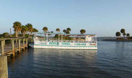 Space Coast River Tours: Blue Dolphin Departing  Kelly Park