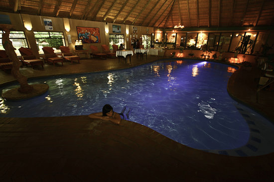 Sparkling Waters Hotel & Spa: Indoor heat pool, great!