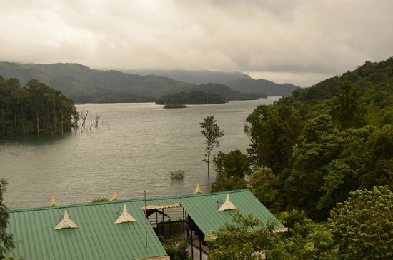 Silver Green Holiday Enclaves: Lake