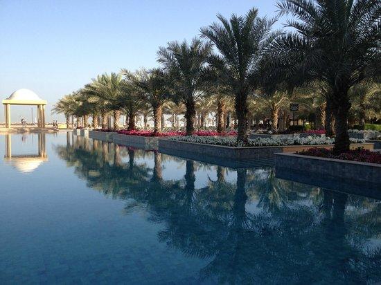 Hilton Ras Al Khaimah Resort & Spa : Pool view from breakfast