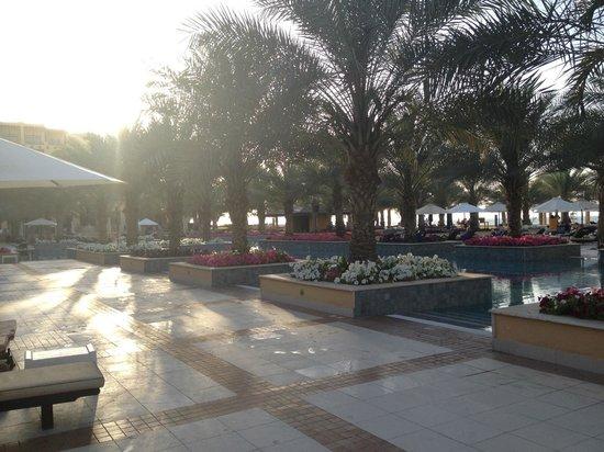 Hilton Ras Al Khaimah Resort & Spa: poolside