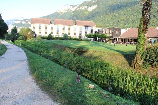 Golf Hotel Grenoble Charmeil: Location