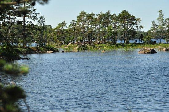 Karlsborg, Швеция: See am Rande des Gebietes - Bademöglichkeiten jede Menge