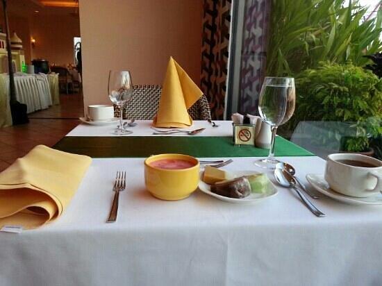 Aryaduta Makassar: Bellini Restaurant