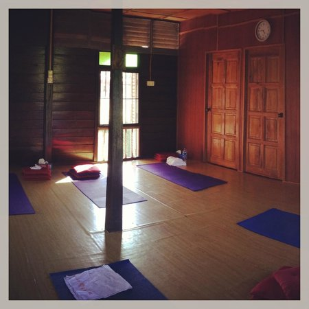 Yoga Now Langkawi: A shot of the lovely studio