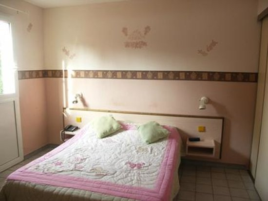 Logis Hôtel La Grande Bastide : La camera