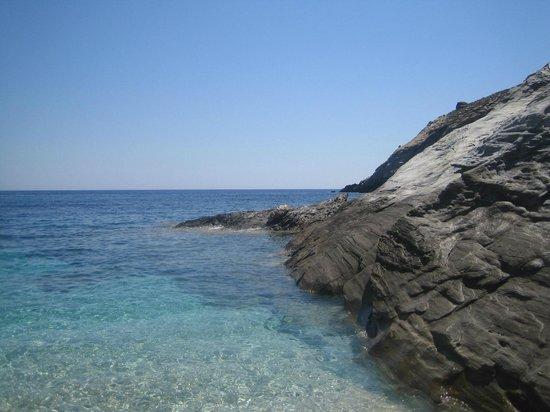 Aegea Blue Cycladic Resort : παραλια