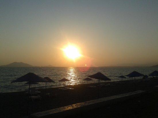 La Casa Di Mamma Ristorante: Glorious sunset