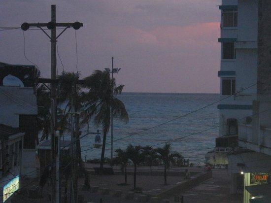 Hotel Verde Mar : vista desde el balcón piso 3
