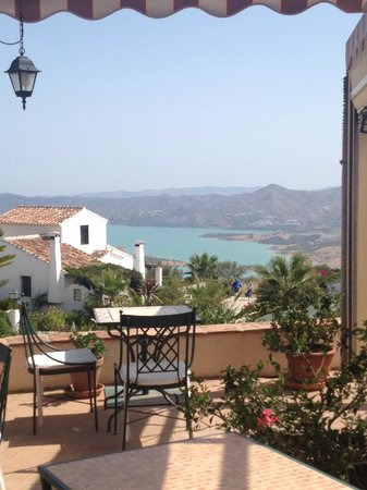 Cantueso Cottages: View from the restaurant's terrace