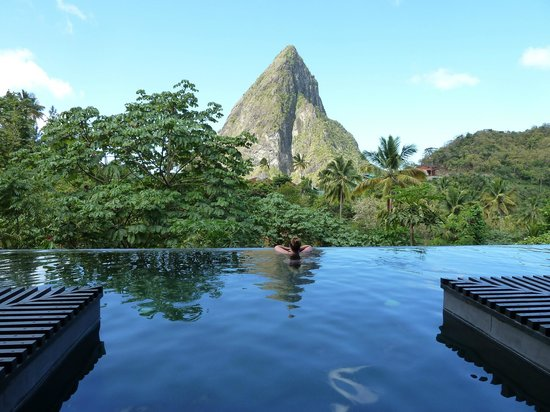 Boucan by Hotel Chocolat : View from the pool
