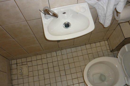 """Holly House Hotel: questo è tutto il """"bagno"""""""