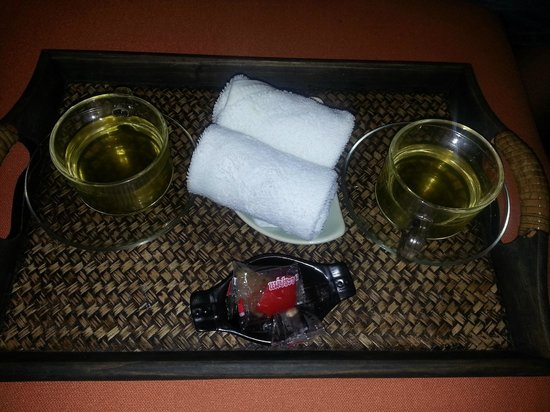 Peak Spa: Drink and towel and Sweets!
