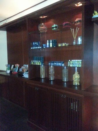 Peak Spa: cabinet of different oil for your selection