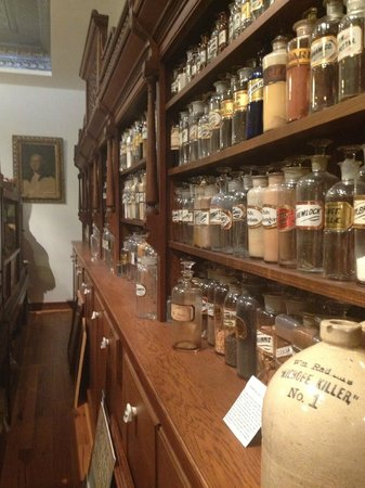 Ouray Alchemist Museum: Rows and rows
