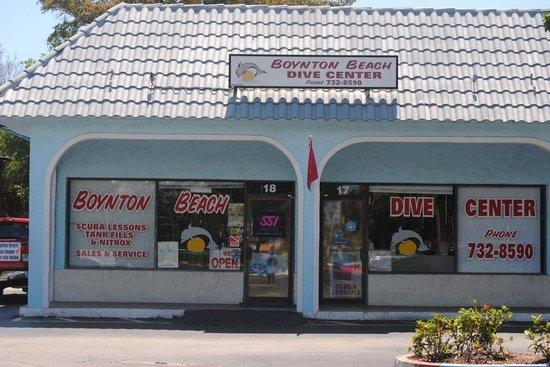 ‪Boynton Beach Dive Center‬