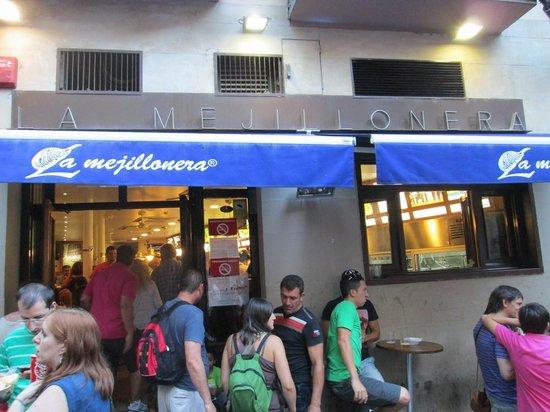 Cerveceria La Mejillonera: ingresso del locale