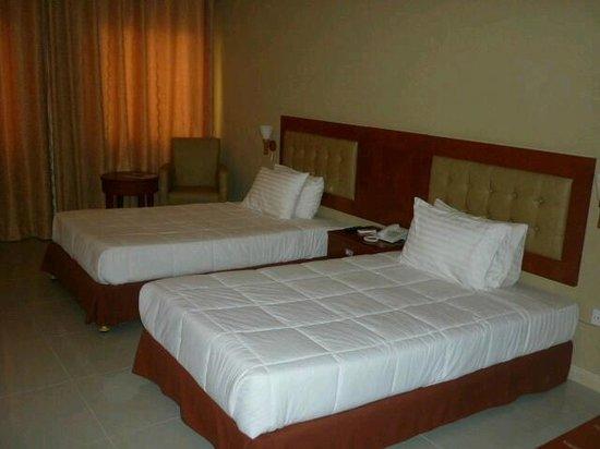 阿芙琳納卡拉飯店