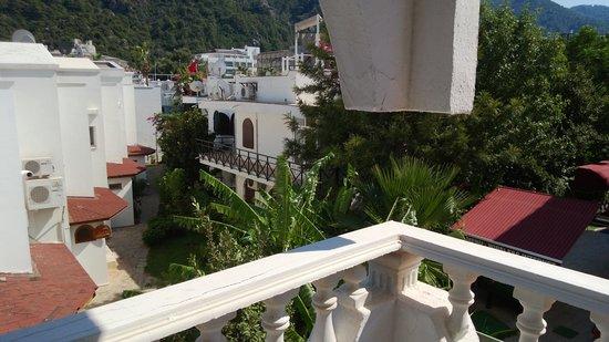 Kontes Beach Hotel: bild från vår balkong