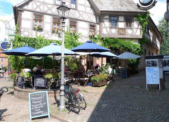 Hotel Krone Restaurant: Auf der Terrasse
