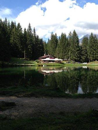 Lago Pianozes: Pianozes vista ristorante
